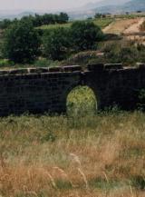 El Aqveducto a las afueras de Labastida